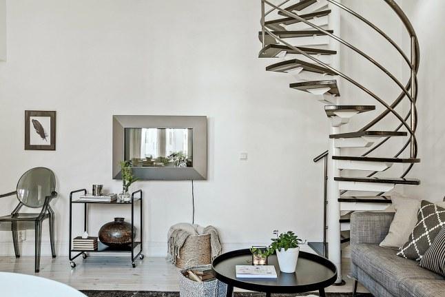 楼梯扶手这样装,很不错!